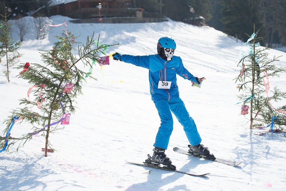 Maškarní lyžovačka na Horalu opět lákala
