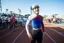 Jednadvacetiletý rodák z Oznice na Valašsku Daniel Klvaňa drží český i světový rekord.