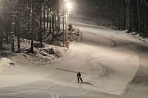 Večerní lyžování na Razule.