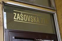 Panelový dům v Zašovské ulici ve Valašském Meziříčí, kde v pondělí 28. listopadu 2016 došlo k vraždě.