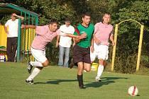 V utkání 1. A třídy porazilo Vidče (zelené dresy) doma Zubří 3:1.