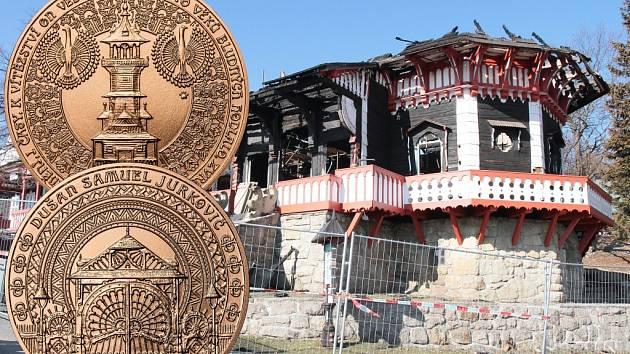 VÝTĚŽKOVÁ MEDAILE. Ražba s návrhy architekta Jurkoviče stojí 199 korun a po odečtení daně jde celý výtěžek na konto pro obnovu Libušína.