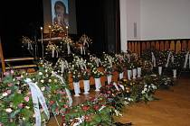 V sále kulturního zařízení ve Valašském Meziříčí se v pátek 6. ledna 2012 konalo poslední rozloučení se zesnulou místostarostkou města Dagmar Lacinovou.