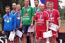 Nohejbalisté Vsetína Gebel, Perun a Brutovský získali na MČR dvojic stříbro.