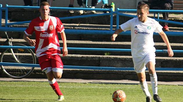 Fotbalisté Vsetína (v červeném). Ilustrační foto