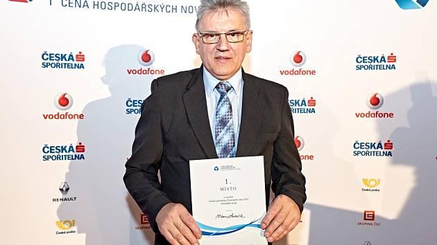 Živnostník roku Zlínského kraje 2015 řezník Milan Žabčík z Kateřinic po převzetí ocenění.