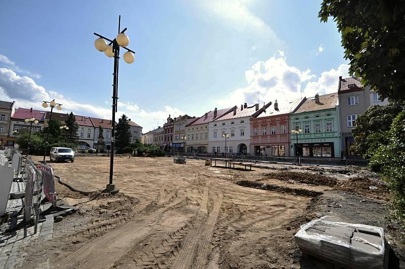 Valašské Meziříčí - náměstí ve Valašském Meziříčí v současné době prochází zásadní obnovou.