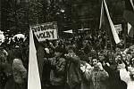 Žáci Základní školy Vsetín-Sychrov se seznamovali s historií listopadových událostí roku 1989 ve Vsetíně.