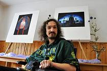 Handicapovaný výtvarník Michal Jančár vystavuje v rodném Leskovci