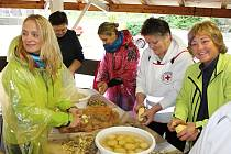 V kulturním areálu v Liptálu se konal v sobotu 23. září Gastro folklorní festival. Dopoledne patřilo soutěži ve vaření a pojídání brynzových halušek.