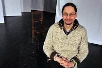 Režisér a divadelní kritik Marcel Sladkowski zkouší se vsetínským Divadlem v Lidovém domě hru Dům Bernardy Albové