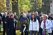 Obyvatelé Valašského Meziříčí se sešli na náměstí, v Sokolské ulici a také v parku Botanika.