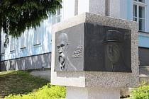Pietní akt se uskuteční ve 12.15 hodin na Masarykově náměstí u Památníku československé vzájemnosti.
