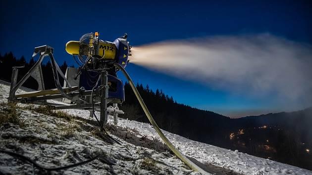 Zasněžování ve Ski areálu Razula