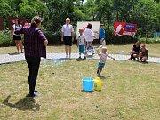 Oslavy patnácti let od založení Azylového domu pro ženy a matky s dětmi se uskutečnily ve čtvrtek 29. června 2017 na Hrbové ve Vsetíně. Prohlídku domu a zahrady i doprovodný program si přišlo užít více než dvě stovky dospělých i dětí.