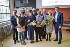 Zlínský kraj letos již popáté uděloval tituly Knihovna roku a oceňoval knihovníky za jejich práci. Z titulu Knihovna Zlínského kraje roku 2017 se radují ve Vidči, mezi oceněnými knihovnicemi je Ilona Kroupová z Městské knihovny v Rožnově pod Radhoštěm.