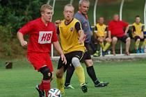 Fotbalisté Horní Bečvy B (červené dresy) doma jasně porazili Liptál 5:1.