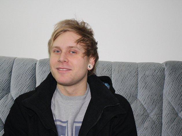 Zpěvák kapely Criminal Colection Tomáš Hennel přiblížil obsah nové CD.