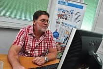 Ředitel vsetínské nemocnice Martin Metelka v redakci Valašského deníku odpovídá na dotazy čtenářů.