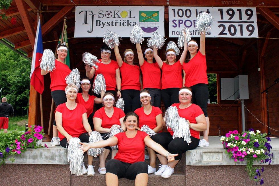 Stoleté výročí TJ Sokol Bystřička oslavili 8. června 2019 na hřišti U Lukášů. Svým vystoupením zaujaly cvičenky z Bystřičky s pásmem Poupata.