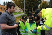 Do role policistů a strážníků se v úterý 10. října 2017 vžili žáci čtyř meziříčských základních škol. Vytvořili s nimi hlídky a v různých částech města kontrolovali řidiče.