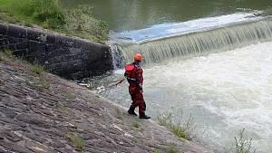 Hovězský splav na 28 km řeky Bečvy