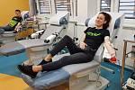 Účastníci tradičního cykloturistického seriálu Vrchařská koruna Valašska při společném darování krve ve Vsetínské nemocnici; březen 2020