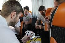 Extraligoví házenkáři Zubří tráví páteční den na cestě do Slovinska, kde je v sobotu od 18 hodin čeká odveta Evropského poháru s domácím Gorenje Velenje.