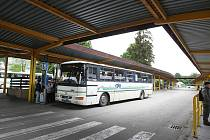 Autobusové nádraží v Rožnově pod Radhoštěm.