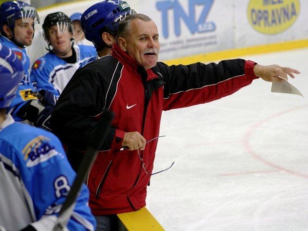 Trenér druholigových hokejisté Valašského Meziříčí Jaroslav Stuchlík.