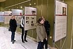 Slavnostní zahájení výstavy s názvem Děvčata z pokoje 28 L410, Terezín ve foyer vsetínského Kina Vatra; pondělí 27. ledna 2020.
