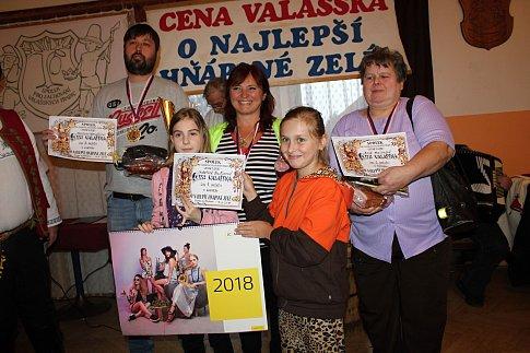 Sedmnáctý ročník soutěže o najlepší hňápané zelé se uskutečnil v sobotu 17. března 2018 v restauraci Na Moštárně ve Vsetíně. Na prvním místě se umístila - nejlepší zelí přinesla Kateřina Baďurová.