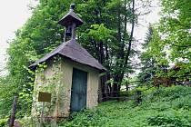 Zvonice z počátku minulého století v místní části Horní Paseky v Rožnově pod Radhoštěm.
