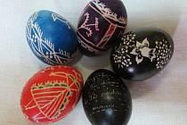 Tradiční valašská malovaná vajíčka ze sbírek vsetínského muzea.