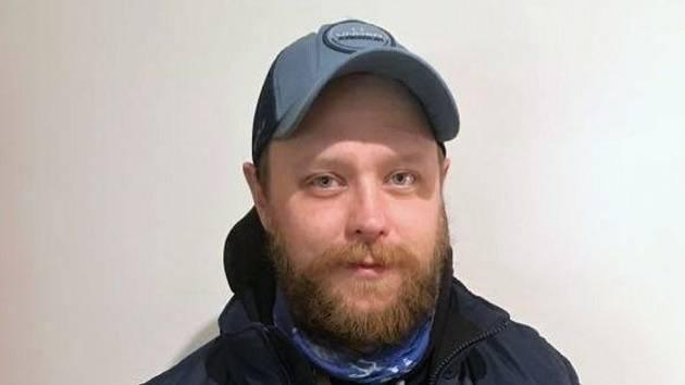 Jedenatřicetiletý Jiří Novák z Valašské Polanky pracuje sedm let jako kurýr u společnosti PPL.