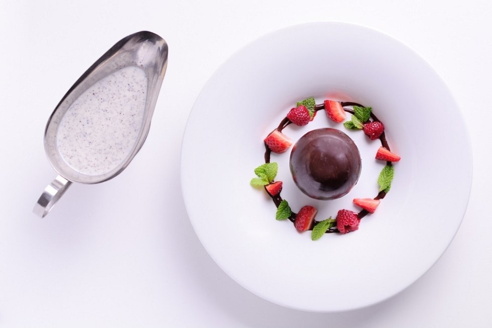 Letní menu Spa hotelu Lanterna: čokoládová koule.