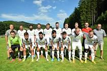 Fotbalisté Horní Bečvy jsou sice po podzimní části okresního přeboru Vsetín na druhém místě s jednobodovým mankem, ale na rozdíl od vedoucího Hutiska mají jeden odložený zápas k dobru.
