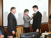 Novým starostou Vsetína se po čtvrtečním hlasování zastupitelstva města 20. dubna 2017 stal Jiří Růžička (KDU-ČSL). Nahradil Jiřího Čunka, který minulý týden odstoupil. Volba měla jednoznačný průběh. Jiřího Růžičku podpořilo všech sedmnáct přítomných zast