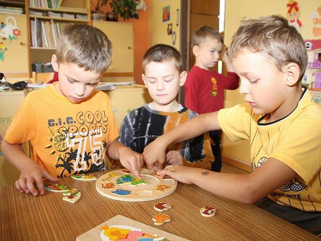 Děti z Mateřské školy Hošťálková si dnes (10. červenec) užívaly poslední den ve školce před prázdninami