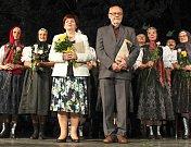 Valašský soubor písní a tanců Radhošť oslavil v sobotu 7. července 2018 sedmdesáté výročí vzniku. Přímo na pódiu dostali Cenu města manželé Dobrovolní.
