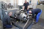 Motorový vůz M 290.002 známý jako Slovenská strela se dočkal v letech 2018-2020 opravy. Hnacího agregátu se ujala firma Mezopravna Vsetín. Zkouška generátoru.