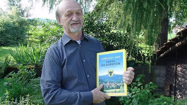 Ladislav Baletka napsal knihu o historii Zubří.