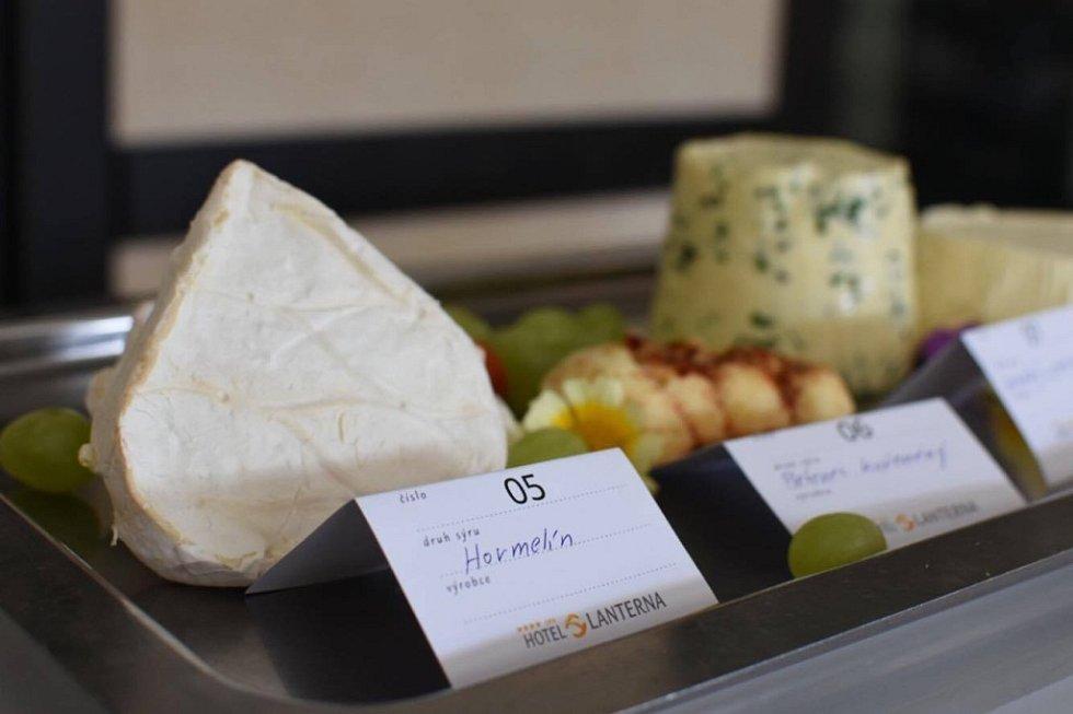 Soutěž sýrů.