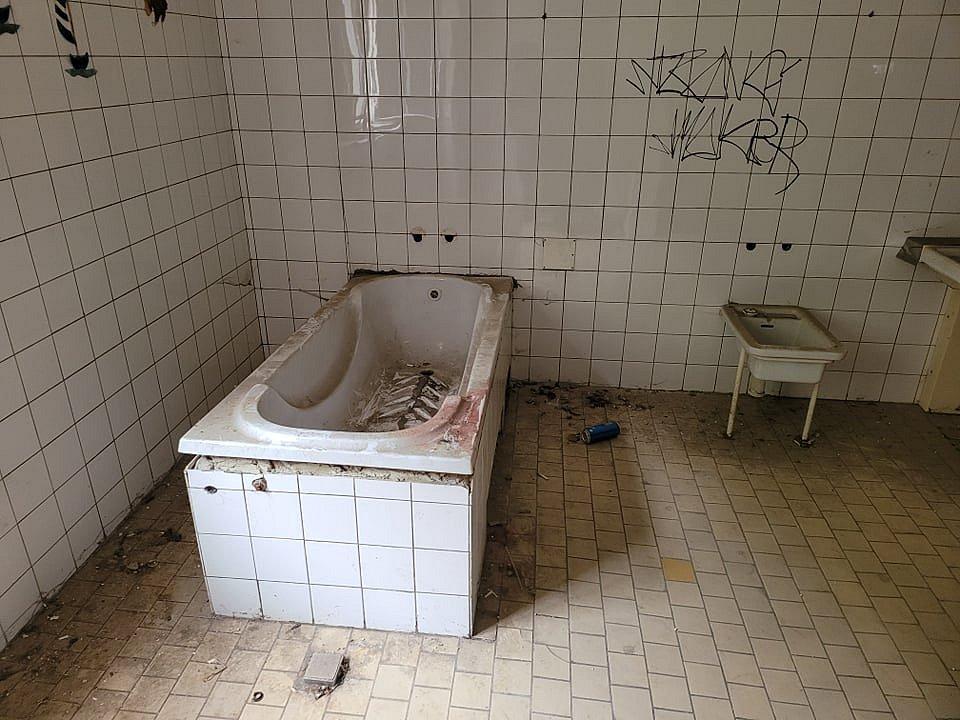 Areál bývalého ústavu pro mentálně postižené v Ostravici