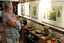 Ve Valašském ateliéru U Hofmanů na Soláni ve Velkých Karlovicích byly v sobotu 23. června 2012 zahájeny 13. malířské cesty kolem Soláně. Při této příležitosti byly otevřeny tři výstavy. První z nich nabídla návštěvníkům rozkvetlou keramiku Valérie Stehlík