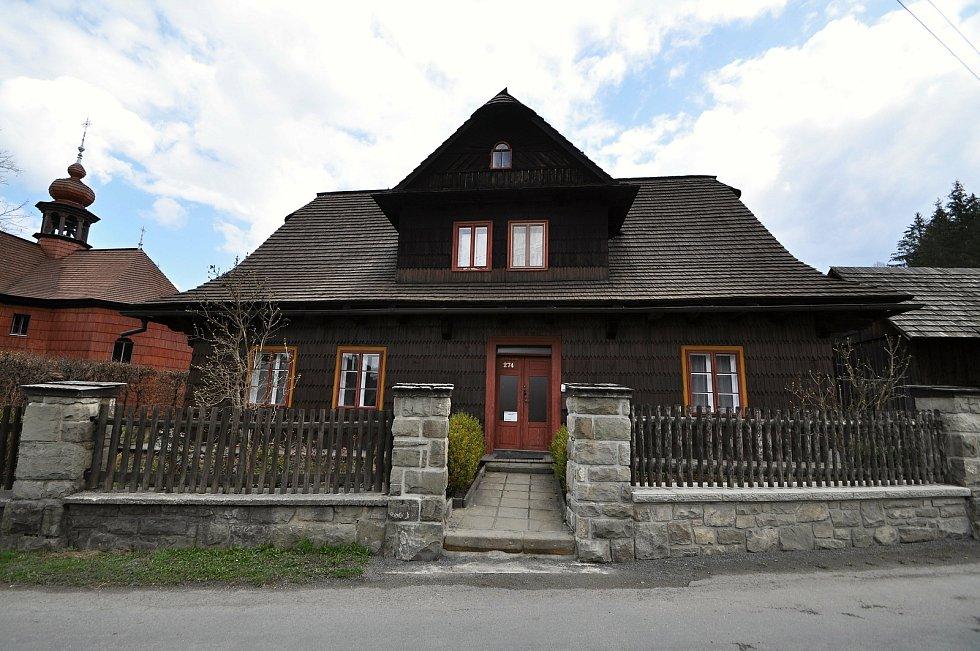 Velké Karlovice - fara.