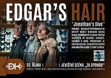 Hudebně divadelní představení na motivy novely Richarda Bacha Jonathan Livingston Racek se uskuteční v pátek 20. října v 19 hodin na jevištní scéně Za oponou.