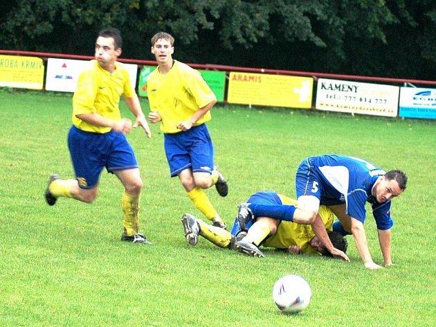 V zápase 1. A třídy Juřinka (ve žlutém) doma porazila Lukov.
