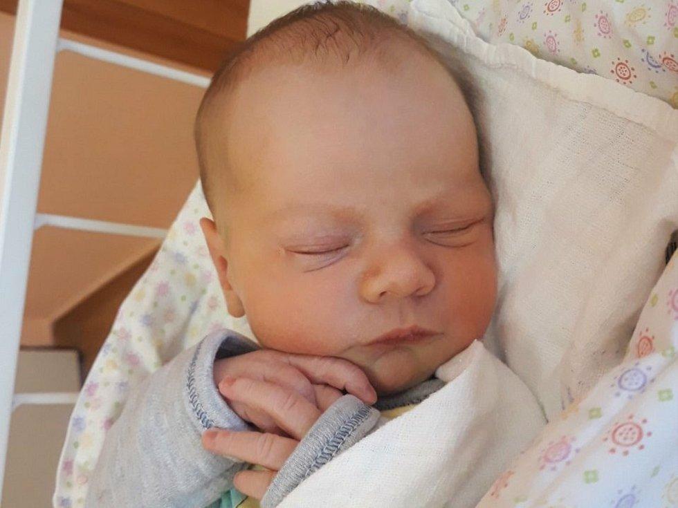 Teodor Mlčák, Valašské Meziříčí, narozen 13. dubna 2021 ve Valašském Meziříčí, míra 49 cm, váha 3150 g