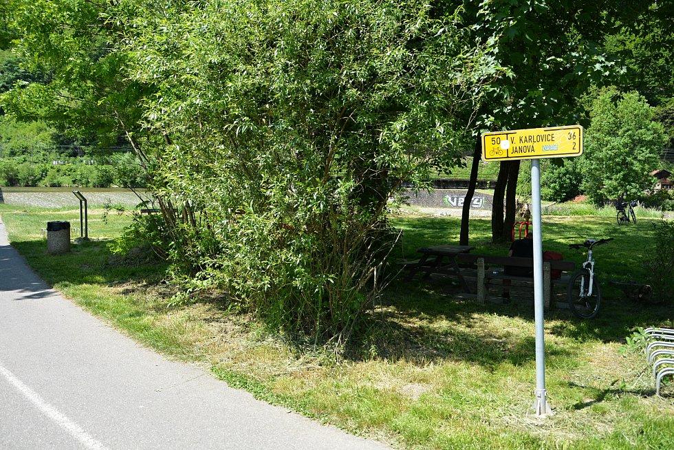 I. etapa cyklostezky Bevlava vede ze Vsetína přes Ústí, Leskovec, Valašskou Polanku do Lužné, 10.6.2021.